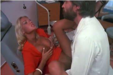 Brigitte Lahaie - dugás az orvosommal