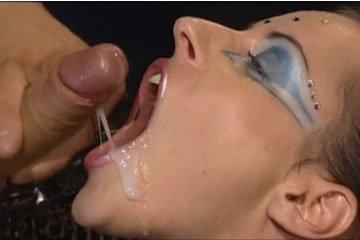 Michelle Wild és Veronica - fétis orgia