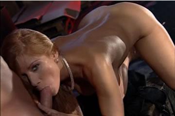 Julia Taylor - sikátorban baszva